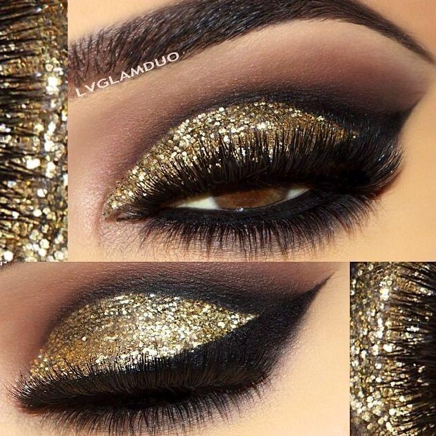 Smokey eyes with gold