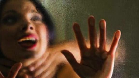 زنا المحارم. أب يغتصب ابنته ويتسبب لها في أمراض جنسية!
