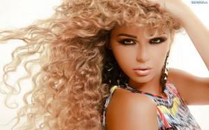 168633_kobieta-blondynka-makijaz