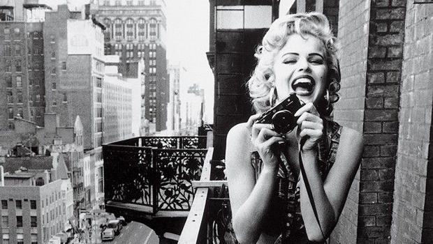 ١١ حيلة بالمكياج لتظهري بطلة جذابة في الصور الفوتوغرافية