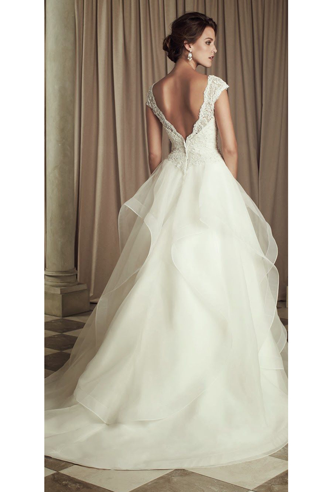 large_A_Few_Tips_to_Rocking_a_Backless_wedding_Dress_10