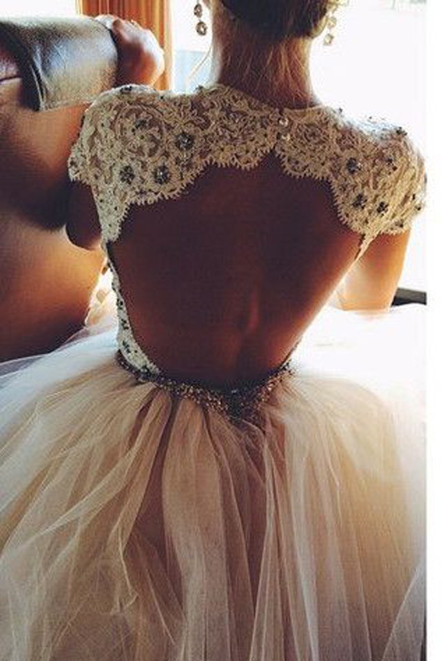 large_A_Few_Tips_to_Rocking_a_Backless_wedding_Dress_7