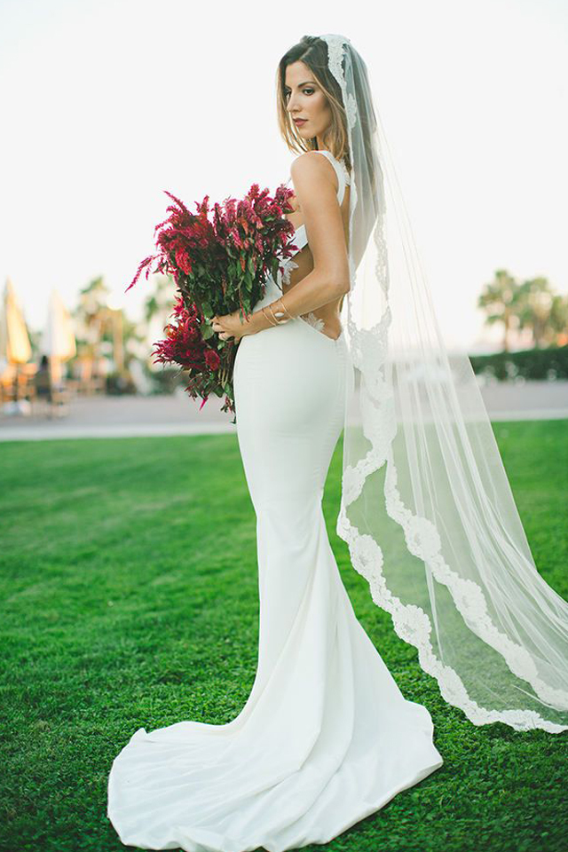 large_A_Few_Tips_to_Rocking_a_Backless_wedding_Dress_9