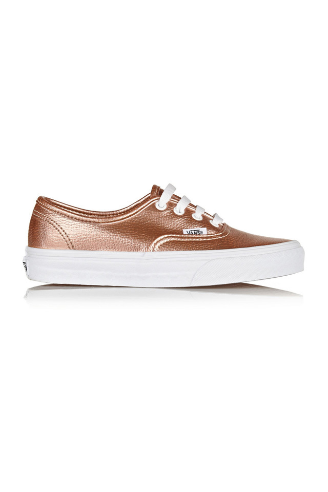 large_Fustany-Accessories-10_Shoes_Every_Woman_Should_Own-10-Sneakers-Vans