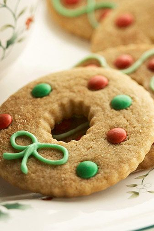 large_Ideas-to-decorate-your-christmas-cookies-fustany-lifestyle-kitchen-12