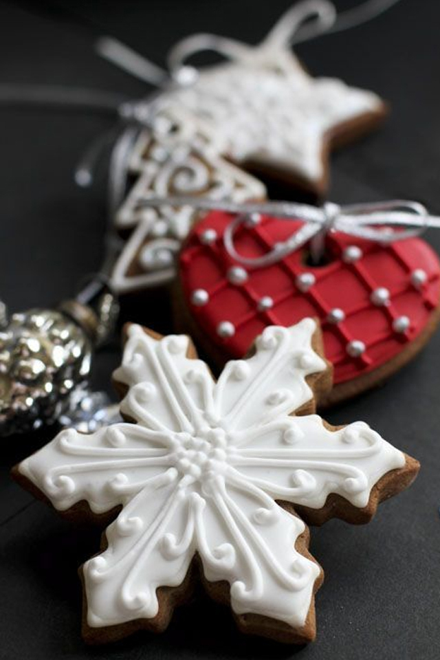 large_Ideas-to-decorate-your-christmas-cookies-fustany-lifestyle-kitchen-13