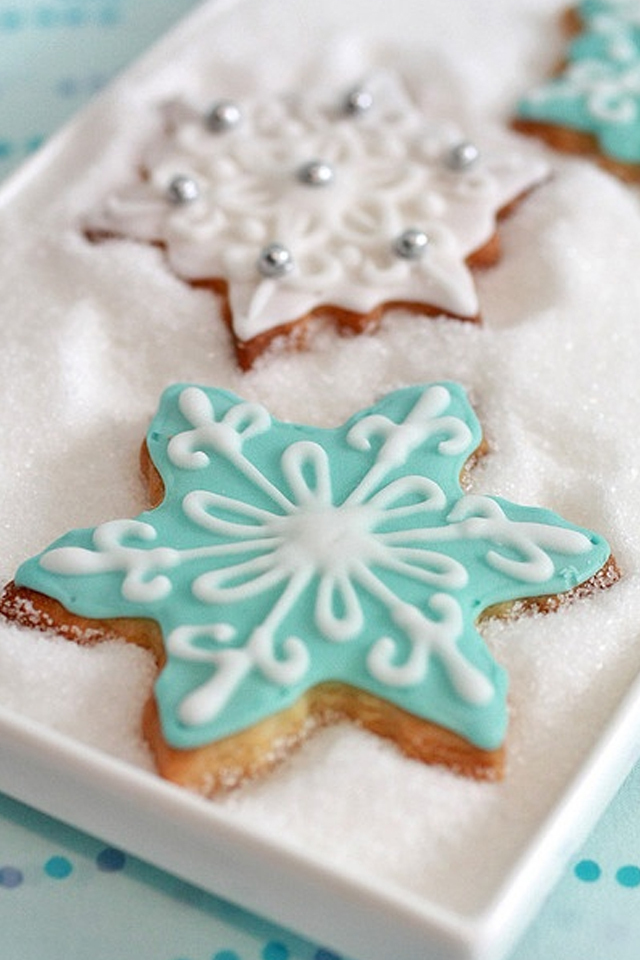 large_Ideas-to-decorate-your-christmas-cookies-fustany-lifestyle-kitchen-15
