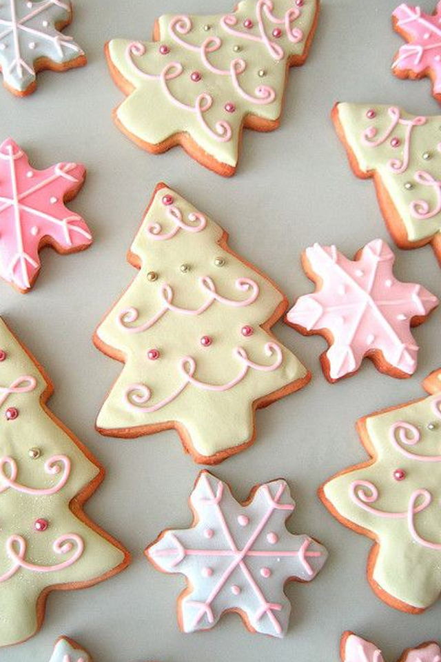large_Ideas-to-decorate-your-christmas-cookies-fustany-lifestyle-kitchen-8