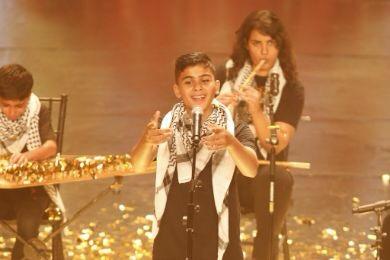 ناصر القصبي يمنح أطفال غزّة الباز الذهبي