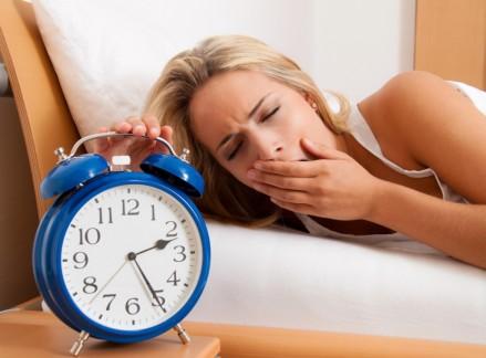 دراسة حديثة تؤكد أن النساء بحاجة إلى النوم أكثر من الرجال