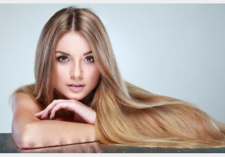 وصفة فعالة لتنعيم وتغذية الشعر من الجذور حتى الأطراف