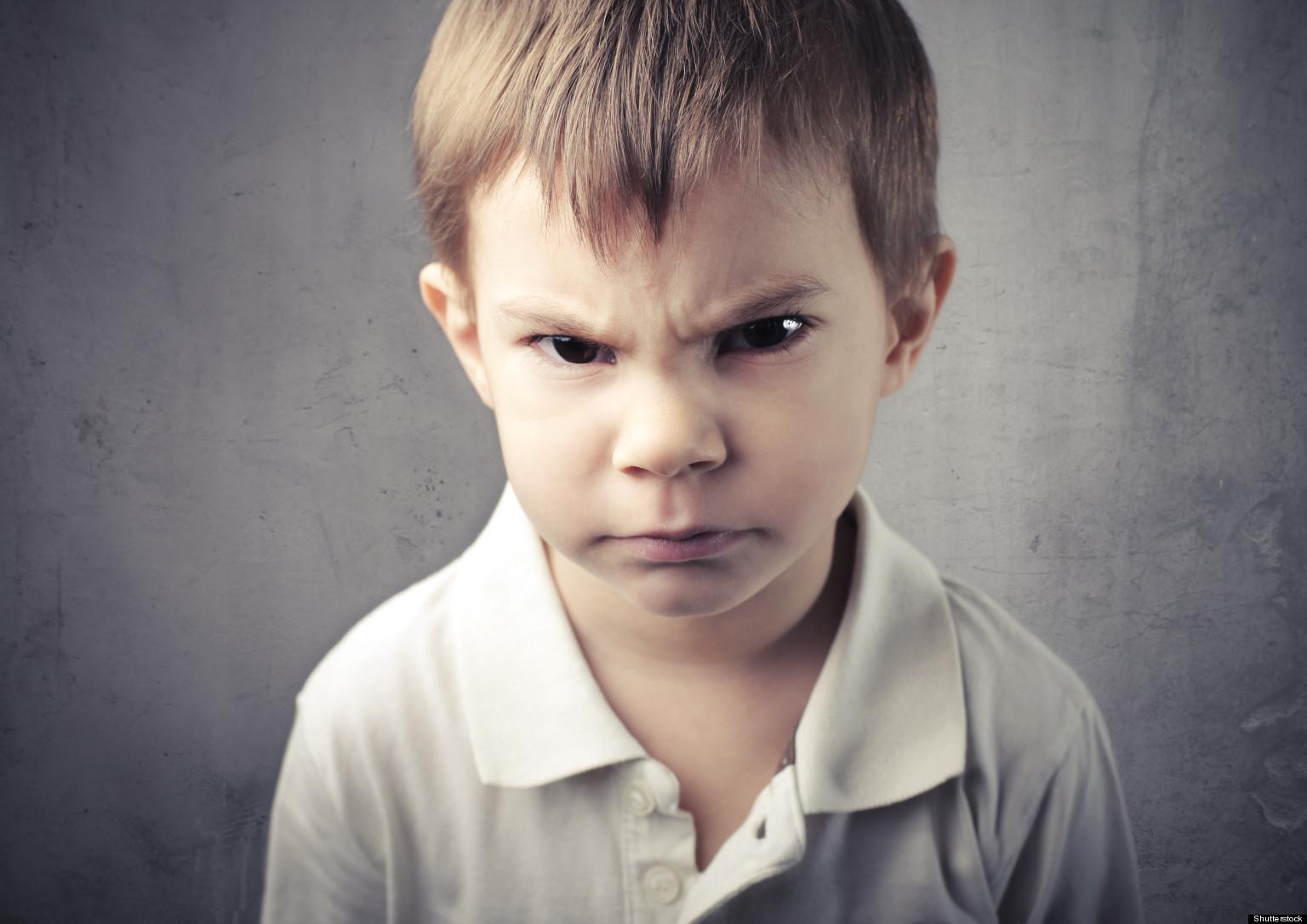 كيفية التعامل مع الطفل الغاضب
