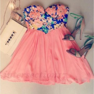 q9m315-l-610x610-dress-cute+dress-floral+dress-coral+dress-pink+dress-cute-shoes-floral-sweetheart+neckline-strapless-strapless+dress-coral-chiffon-chiffon+dresses-high+heels-pumps-white-clutch-stu